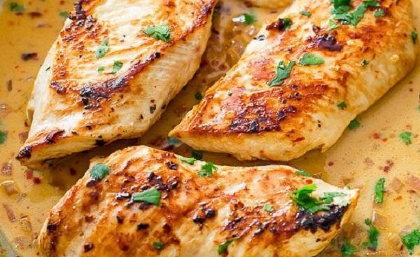 طريقة عمل صدور الدجاج بالزعتر