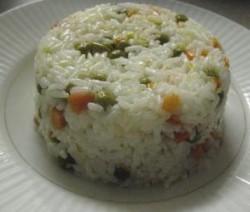 الأرز بالبازلاء والجزر