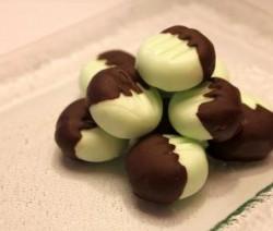 حلوى النعناع بالشيكولاتة