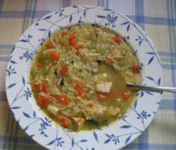حساء الدجاج بلسان العصفور