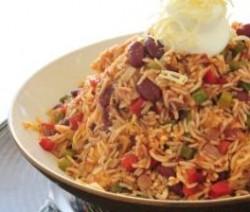 أرز مع الدجاج والفاصوليا الحمراء