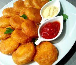 معقودة البطاطس بدون بيض
